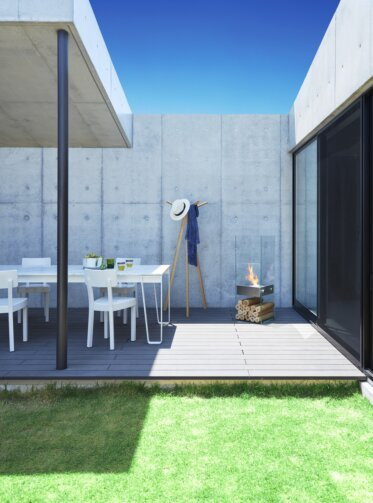 Private Residence Courtyard - Residential Fireplaces