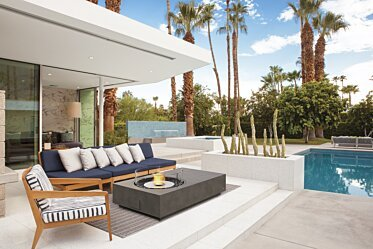 Outdoor courtyard - Residential Fireplaces