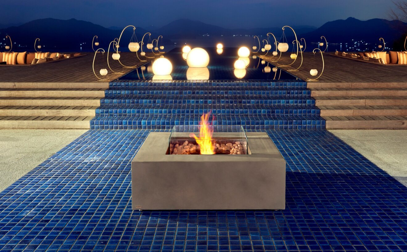 base-fire-pit-table-commercial-space-base-2.jpg